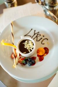 JAC_8891-3664500533-O dessert presentation